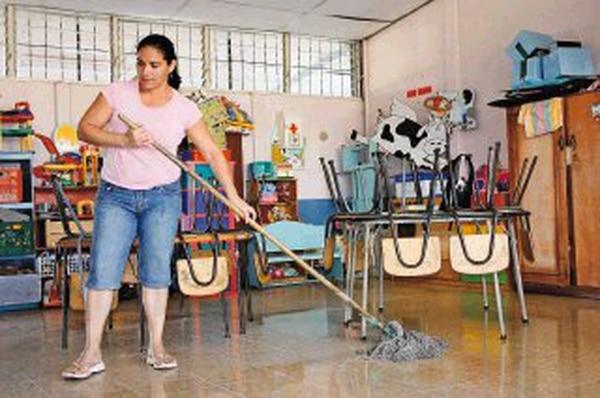Apse pide a conserjes no limpiar escuelas antes de inicio for Habitacion que utiliza un conserje