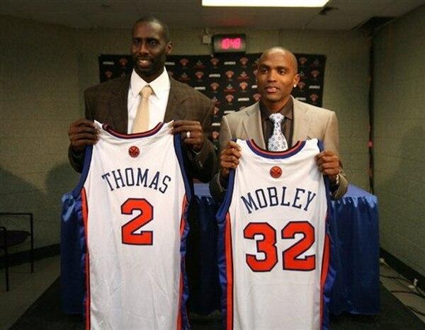 El estelar canastero Cuttino Mobley, de los New York Knicks en el básquetbol de la NBA, confirmó el 11 de diciembre de 2008 que se retira de los tabloncillos debido a un problema cardíaco, después de 11 años de carrera, en los que militó en cinco equipos diferentes. | AFP