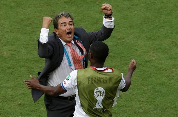 Jorge Luis Pinto dirigió a la Selección Nacional en Brasil 2014.(AP Photo/Hassan Ammar)