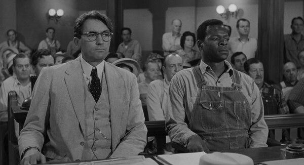 Gregory Peck (Atticus Finch) y Brock Peters (Tom Robinson), actores de la adaptación de la novela de Harper Lee.