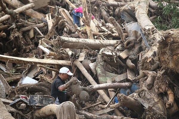 La tragedia se vive en las calles de Mocoa luego de la avalancha que hasta el momento ha dejado más de 300 muertos y miles de damnificados. | FOTO: CEET/SANTIAGO SALDARRIAGA
