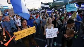 Tensión persiste en Nicaragua pese a revocatoria de reforma de pensiones