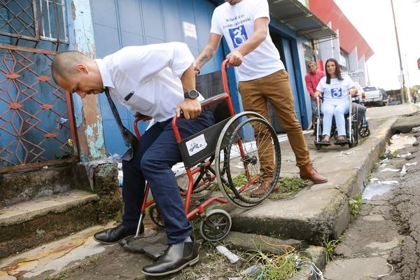 Noticias de silla de ruedas la naci n - Sillas de ruedas estrechas ...