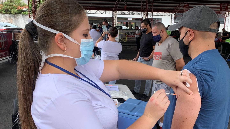 Entre el sábado 29 y el domingo 30 de mayo del 2021, la CCSS, en 24 áreas de Salud, vacunó 15.544 personas contra el covid-19
