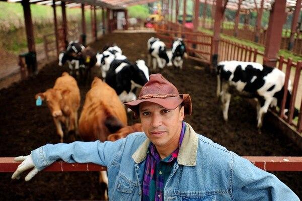 En el proyecto Las Cumbres, propiedad de Erick Lonis, se han construido cabañas; también tiene cría de truchas y ganadería de engorde. Cuando él adquirió la tierra, no había instalación para electricidad. | ADRIÁN ARIAS / ARCHIVO