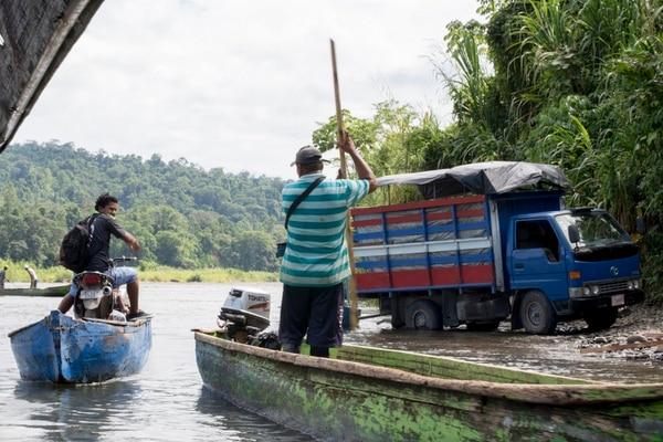 Las dificultades para transportar productos dentro y fuera de Talamanca limitan la difusión de este conocimiento. Fotos: Cortesía de Cocina ancestral/Ivannia Alvarado