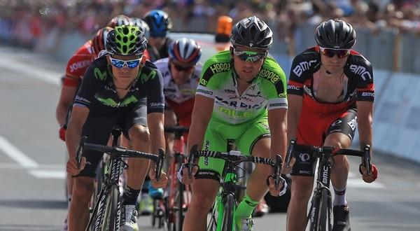 Andrey Amador (izquierda) escaló ayer cinco posiciones en la clasificación general y está dentro del top ten del Giro de Italia. | MOVISTAR TEAM