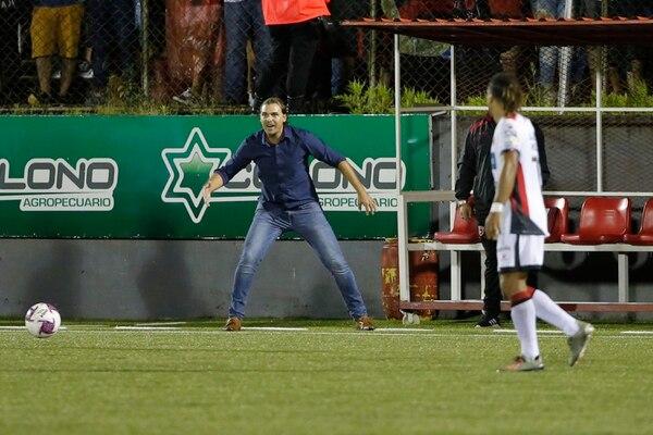 Andrés Carevic durante el partido entre Alajuelense y Santos. Fotos: Mayela López