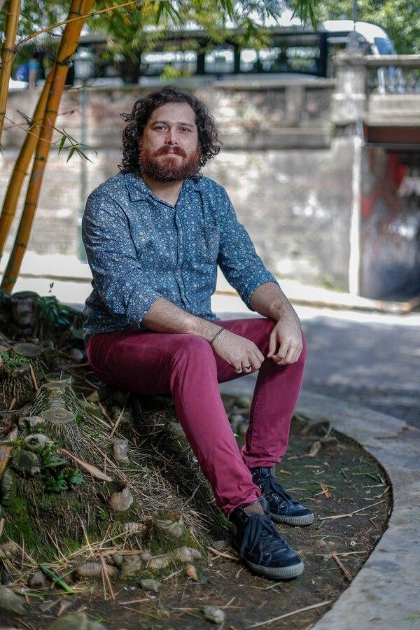 Andrés Cordero es músico de sesión, bajista y profesor de ese mismo instrumento. Tiene un proyecto solista como cantautor. Foto: José Cordero
