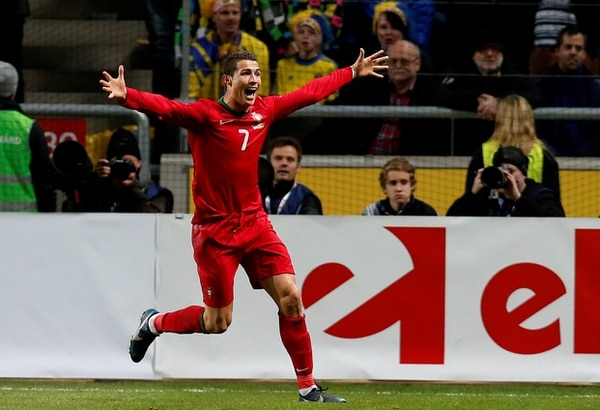 Cristiano Ronaldo le marcó tres goles a Suecia, en la vuelta del repechaje.