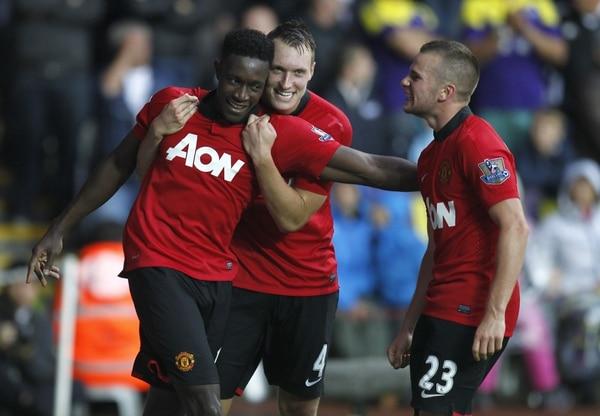 El Manchester United comenzó este sábado su defensa del campeonato con una contundente victoria (4-1) en el estadio del Swansea.