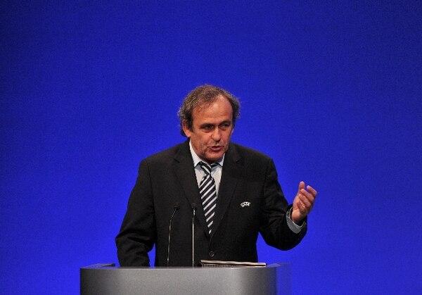 Michel Platini habló hoy viernes en el congreso de la UEFA. / AFP