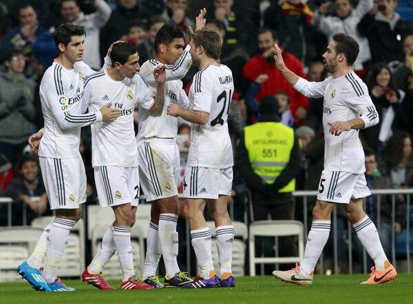 El Real Madrid avanzó a los octavos de final de la Copa del Rey al derrotar 2-0 al Olimpic de Xátiva.