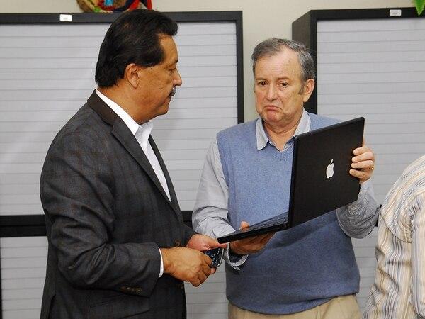 El ataque de Víctor Morales Zapata a Ottón Solís, ayer en el plenario, no es el primer choque entre ambos. Como diputados de la misma fracción política, ya se enfrentaron en el marco de la discusión del Presupuesto Nacional del 2015, en setiembre del año pasado. | MARIO ROJAS.
