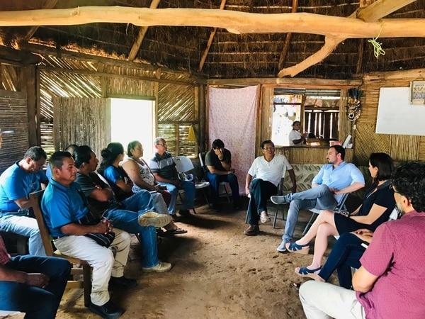 Con esta reunión, el Gobierno inició con el cumplimiento del Mecanismo General de Consulta a Pueblos Indígenas. Foto: cortesía del Ministerio de Justicia y Paz.