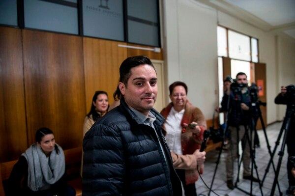 Jeremy Pixton salía de un tribunal en Santiago, este martes 28 de agosto del 2018, después de reunirse con el juez de Derechos Humanos Mario Carroza.