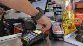 Ministerio de Economía revisará comisiones cobradas a comercios por uso de datáfonos