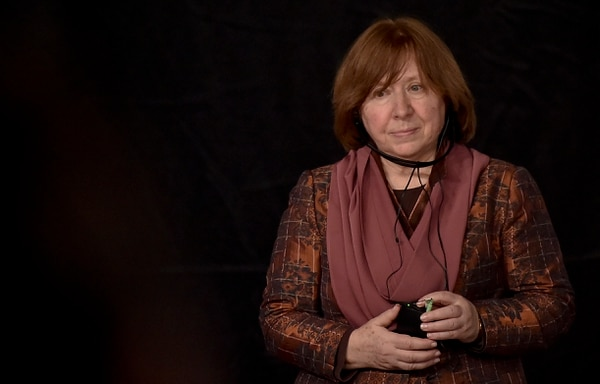 Svetlana Alexiévich se presenta en la Feria del Libro de Bogotá.