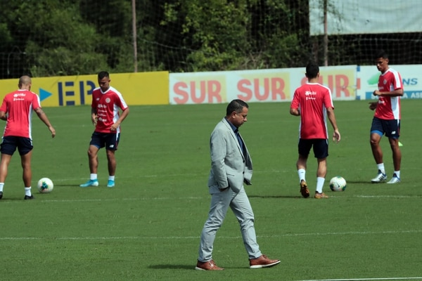 07/102019 La selección Nacional entreno hoy con el nuevo director técnico Ronald Gonzalez en el Proyecto Gol Presidente de la federaci´øn Rodolfo Villalobos . foto Alonso Tenorio