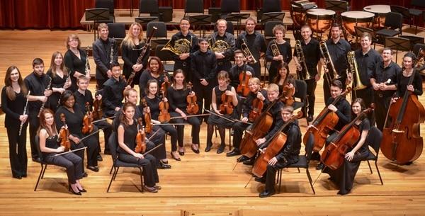 Viajeros. La University of Louisville Sinfonietta, de Kentucky (EE. UU.) viene a celebrar con el Instituto Costarricense Promúsica Coral. Darlene Palmer para LN.