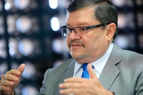 Roberto Cervantes Barrantes fungió como gerente médico desde julio anterior. Tuvo que lidiar con el impacto de la huelga contra el plan fiscal en los servicios de salud.