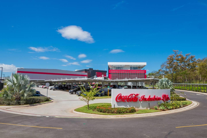 La planta de concentrados de Coca-Cola Industrias, en Liberia, Guanacaste, es la más moderna de las 18 que tiene la firma en el mundo. En la instalación de esa provincia trabajan 130 personas. Foto: Cortesía