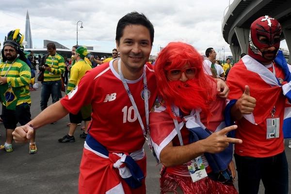 La afición tica ya disfrute en las afueras del estadio. AFP.