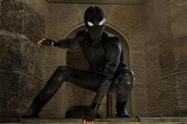 Para sus labores de superhéroe en Europa, Spider-Man lucirá un traje negro hecho a la medida. Cortesía de Discine