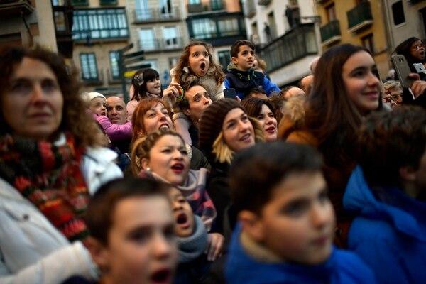 La asistencia al desfile alcanzó las 30.000 personas, según la organización. AP