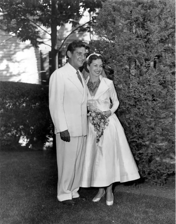 En setiembre de 1951, Bernstein y Felicia se casaron. Las cámaras los siguieron durante el resto de su vida. Foto: wikicommons
