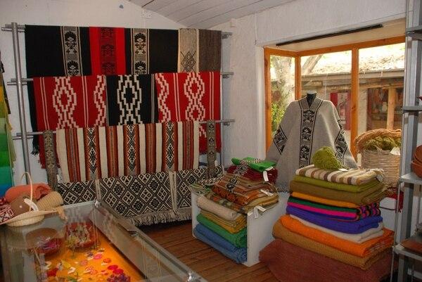 Productos de la Fundación Artesanías de Chile se venden dentro y fuera del país.
