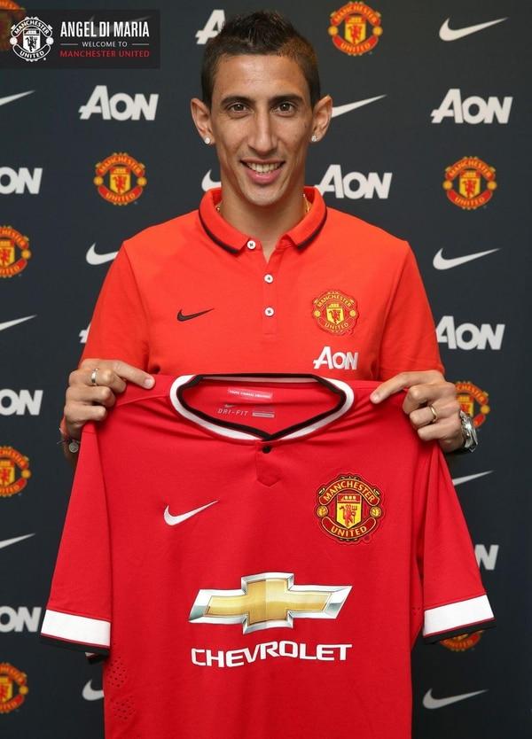 Angel di María fue presentado como nuevo jugador del Manchester United.