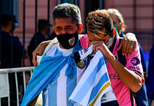 En Argentina hay consternación total por la muerte de Diego Armando Maradona. Fotografía: AFP