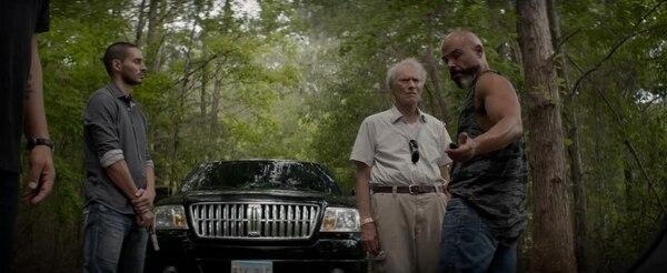 El cuatro veces ganador del Óscar, Clint Eastwood, vuelve a demostrar que sabe dirigir y actuar. Foto: Warner Bros