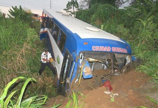 El autobús de la empresa Transportes Pital viajaba en sentido Pital-Ciudad Quesada.