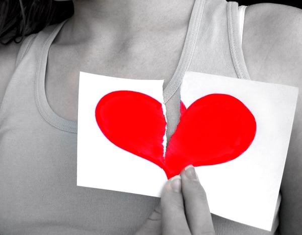 Un corazón roto no solo altera las emociones de la persona, su salud cardiovascular también sufre y se le debe prestar atención.   SXC.HU PARA LN