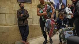 Unas 270 familias sirias huyen de pueblo en Líbano tras choques con los vecinos