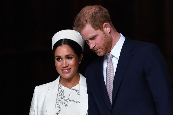 Meghan Markle y su esposo, el príncipe Enrique, anunciaron a principios de enero del 2020 que se retiraban de la realeza británica y que serían independientes económicamente. Foto: Archivo/AFP