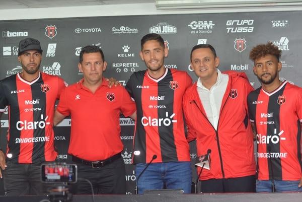 Allan Miranda, Jonathan Moya y Dylan Flores fueron confirmados por Alajuelense como sus refuerzos. Fotografía: Shirley Vásquez, corresponsal