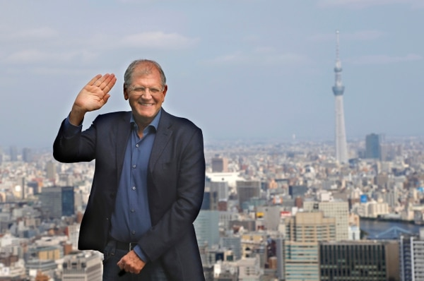 El estadounidense Robert Zemeckis se encuentra este 21 de octubre del 2015 en Tokio, presentando su nueva película 'The Walk'.
