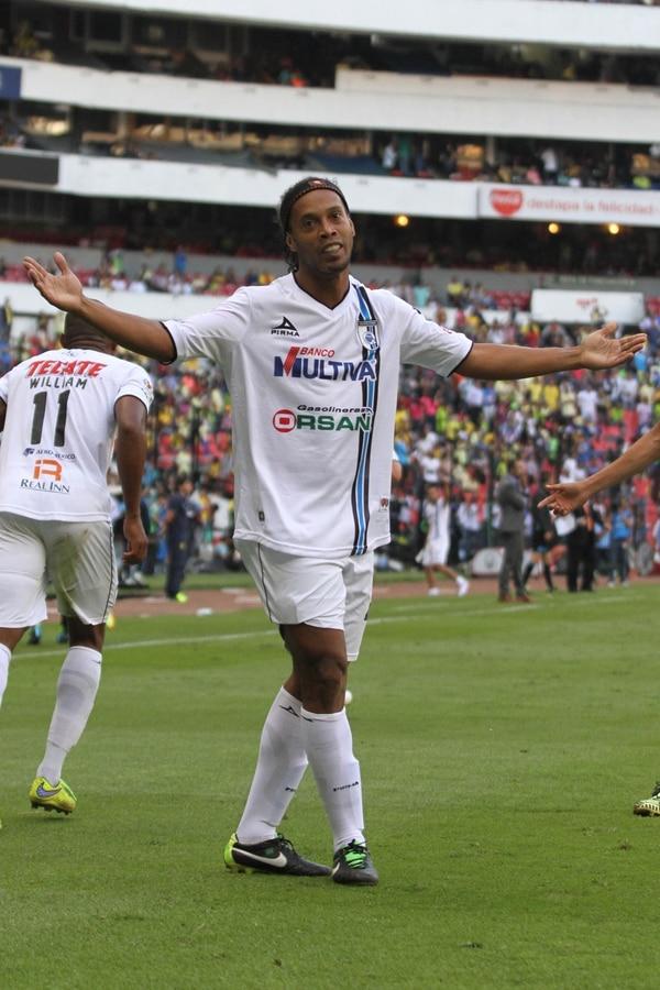 Ronaldinho podría marcharse al fútbol de Estados Unidos, tras su paso por México