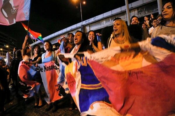 El 9 de enero, centenares celebraron el fallo de la Corte IDH en la Fuente de la Hispanidad, en Montes de Oca. Fotos: Mayela López