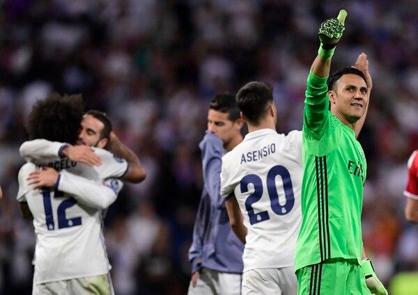 Keylor Navas en la pasada Liga de Campeones de Europa se coronó campeón con el Madrid, por eso el cuadro merengue irá al Mundial de Clubes. Foto: AFP