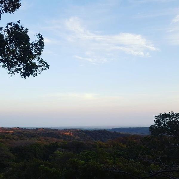 Desde el hotel se aprecia una extraordinaria vista de las llanuras de Guanacaste.