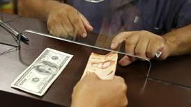 Crédito en colones reporta 10 meses continuos de aceleración y en dólares se hunde