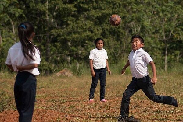 Las escuelas unidocentes representan cerca del 40% del total de escuelas públicas del país. Archivo LN.