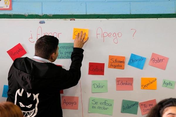 Clases de educación sexual a los alumnos de noveno año del Colegio México ubicado en Barrio Arajuez. | MAYELA LÓPEZ