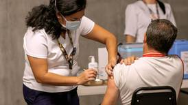 Proyección estima que Costa Rica debería vacunar a 275.000 personas por semana para ganarle pulso a variante delta
