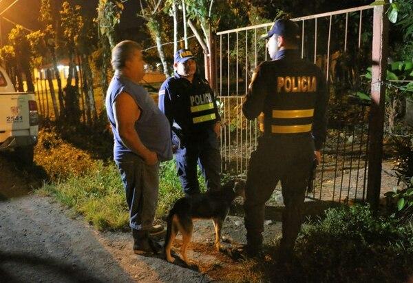 La Policía custodió la vivienda en la que ocurrió el feminicidio. Foto: Reyner Montero, corresponsal GN