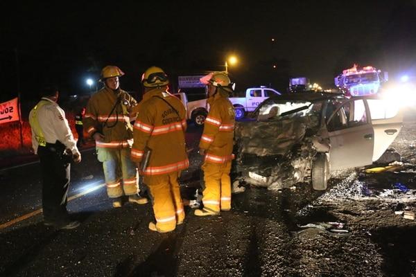 El matrimonio fue expulsado del automóvil y falleció en la vía pública. Su acompañante murió prensada en el automotor. | REINER MONTERO.